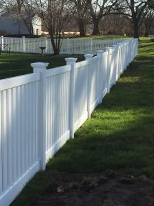 WHITE CLOSED TOP PICKET FENCE